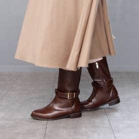 ワンベルトデザインのミドル丈ブーツ (ブラウン)