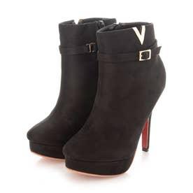 Mafmof(マフモフ) Vモチーフのベルト付きショート ブーツ (ブラック・スエード)