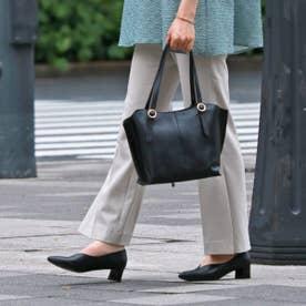 足をスッポリと覆うVカットパンプス MAL7028A (ブラック)