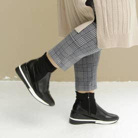 ストレッチ素材のスニーカーブーツ (ブラック)