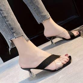 ヌーディな足元で美脚効果抜群のクリアサンダル (ブラック)