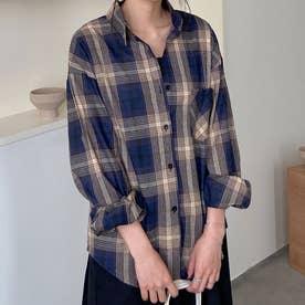 着るだけで今年っぽいレトロチェック柄のオープンカラーシャツ。 (ブルー)