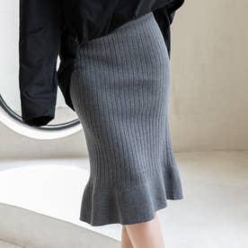 今季人気のリブニット素材の裾フリルスカート (グレー)