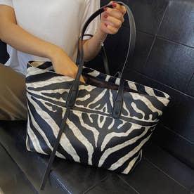アニマル柄 トートバッグ レディース ゼブラ柄 手提げバッグ 大容量 ウシ柄 肩がけバッグ 韓国風 鞄 たっぷり収納 ハンドバッグ (ゼブラ柄)