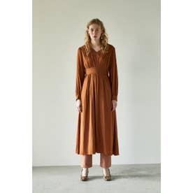 PIN TUCK FLARE DRESS (ブラウン)