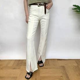 センタープレス裾スリットフレアパンツ (オフホワイト)