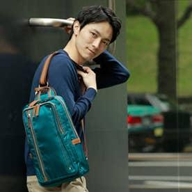 【日本製】高密度ナイロンツイル×レザー 大きめボディバッグ/ワンショルダーバッグ ヌメ革  A4収納可(BL)