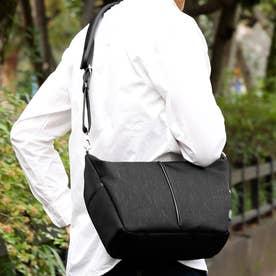ナイロン×ポリエステル混紡ツイル+ヌメ革ショルダーバッグ (ブラック)