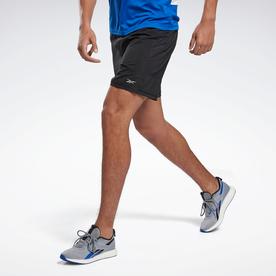 ランニング エッセンシャルズ ショーツ / Running Essentials Shorts (ブラック)