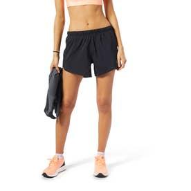 Reebokランニング エッセンシャルズ 4インチ ショーツ [Running Essentials 4-Inch Shorts] (ブラック)