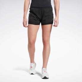 ランニング エッセンシャルズ ツーインワン ショーツ / Running Essentials Two-in-One Shorts (ブラック)