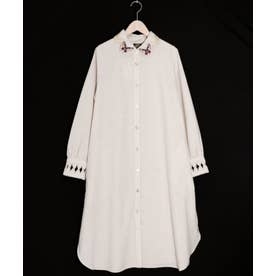 蝶刺繍襟シャツワンピース (アイボリー)
