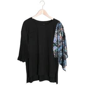 スカーフ柄×プリーツ異素材袖切替Tシャツ (ブラック)