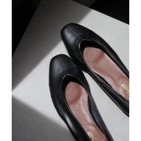 足にぴったりフィットする柔らか素材Vカットフラットパンプス (ブラック)