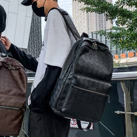 編み込みデザインレザータッチバックパック (ブラック)