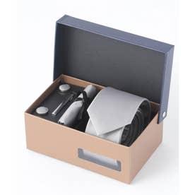 老舗英国ブランド シルク100% メンズ スーツ ギフト箱4点セット (シルバー)