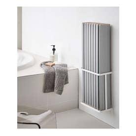 tower (タワー) マグネットバスルーム折り畳み風呂蓋ホルダー (ホワイト)
