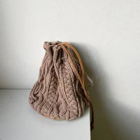 ケーブルニット巾着ショルダーバッグ (ベージュ)