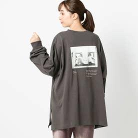 バックフォトプリントロングTシャツ (クロ)
