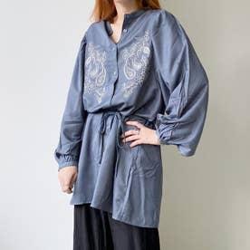 刺繍入りバンドカラーチュニックシャツ (ライトブルー)